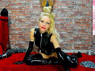 Sexy Latex Camshow
